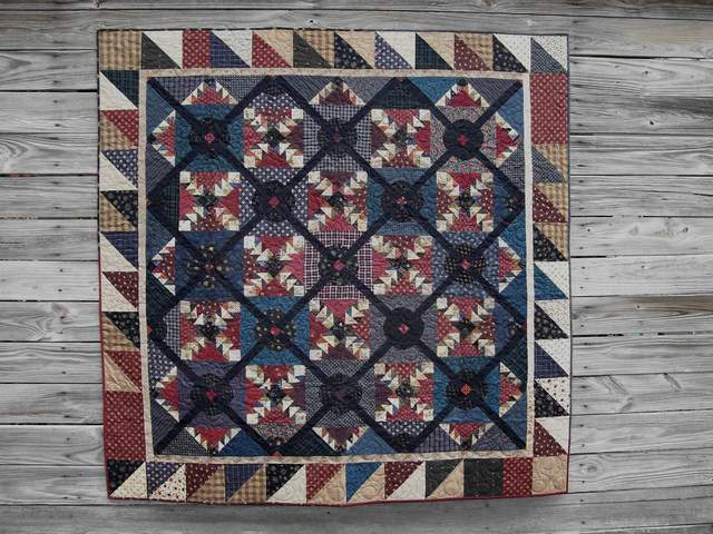 QS23 - Bull's Eye $615.00-quilt for sale