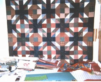 Another great quilt, Jeepers Creepers  made by Annie Woods from the Quiltmakers Workshop in Alabama. Thanks Annie for sharing.