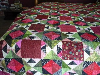 a closer look at Barbs quilt, The Hat Ladies-parlor, barbs quilt, the hat ladies