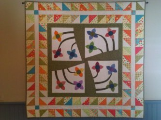 "Elizabeth Nichols sent me this picture of her charming ""Ring Around the Posies"" Thanks Elizabeth, love it!"