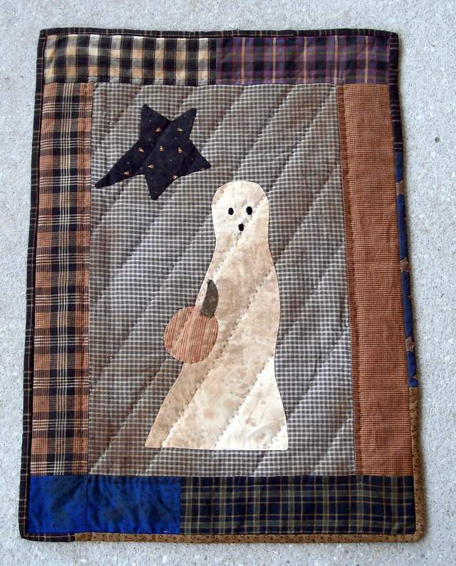 QS 20  Ghost wall hanging-quilt for sale, wall hanging, ghost