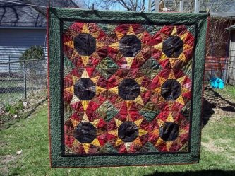 "Karen Schultz sent me this delightful picture of her Auntie Bean's Stalks. Here's what she had to say.....""Hi Lynda, I just wanted to share the quilt I made from your pattern with you. I made it for my friend's daughter who is getting married this May and"