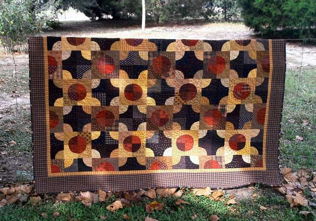 PPL002 Pinny's Posies $480.00-pieced, hand quilted quilt for sale