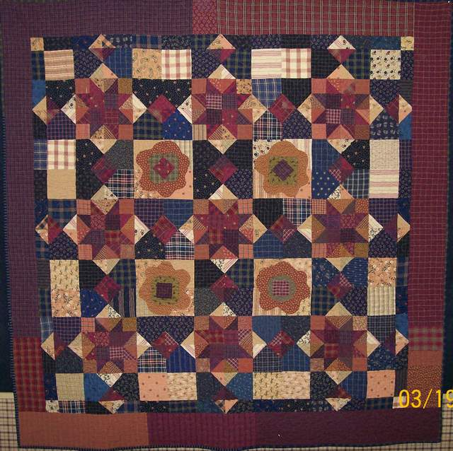 PPL036, Tying the Knot $325.00-pieced, appliqued, machine quilted quilt for sale